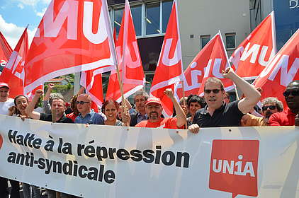 Transparent: Halte à la répression anti-syndicale