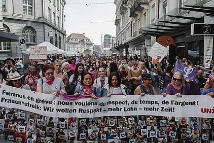 Demonstration zum Frauenstreik in Biel