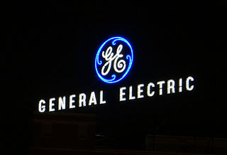 Logo von General Electric in der Nacht